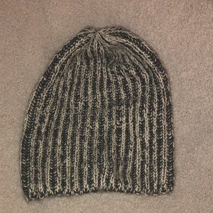 American Eagle Black and White Knit Hat
